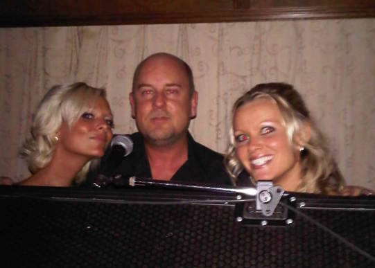 dj mike funk doctor with girls