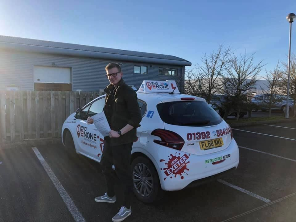 Structured driving lessons in Exeter