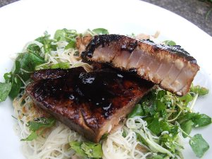 seared tuna with watercress and coriander noodles 1
