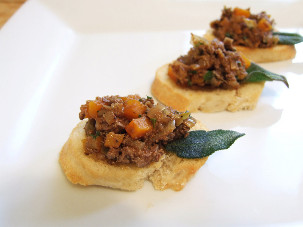 canapé - tuscan chicken liver crostini