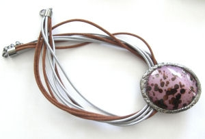Mauve Bead Pendant necklace