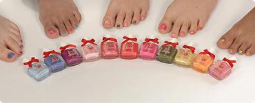 Snails polish on girls feet.jpg