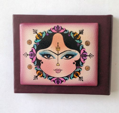 Cosmetic handbag mirror Hand painted on leather (PML07)