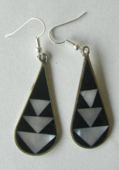 Mexican earrings inlaid with shell (Mex24)