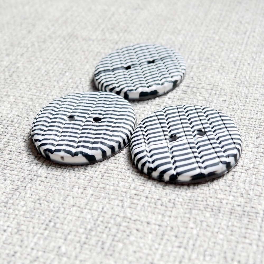 Black and white buttons, Striped Buttons 30mm