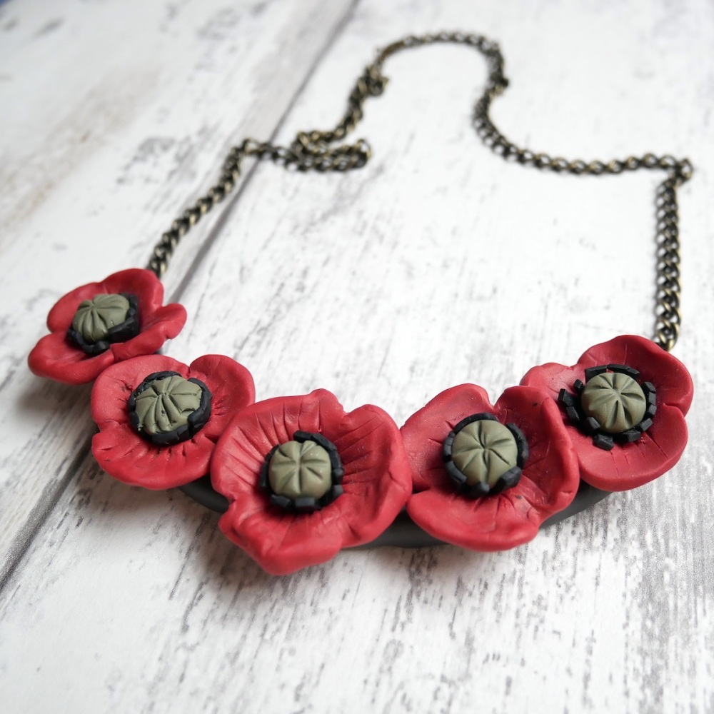 Red Poppies Necklace, Vintage Style