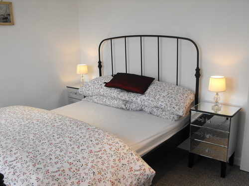 Blossom Cottage - Main Double Bedroom