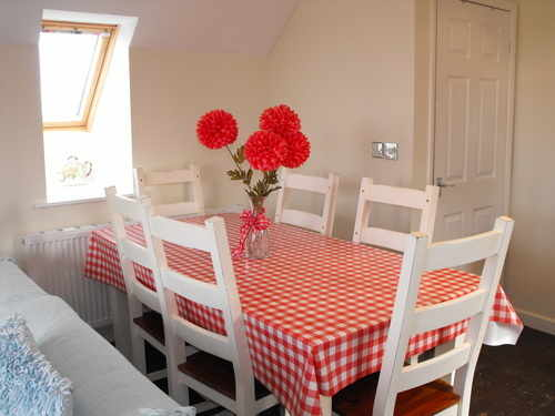 Blossom Cottage - Dining Area