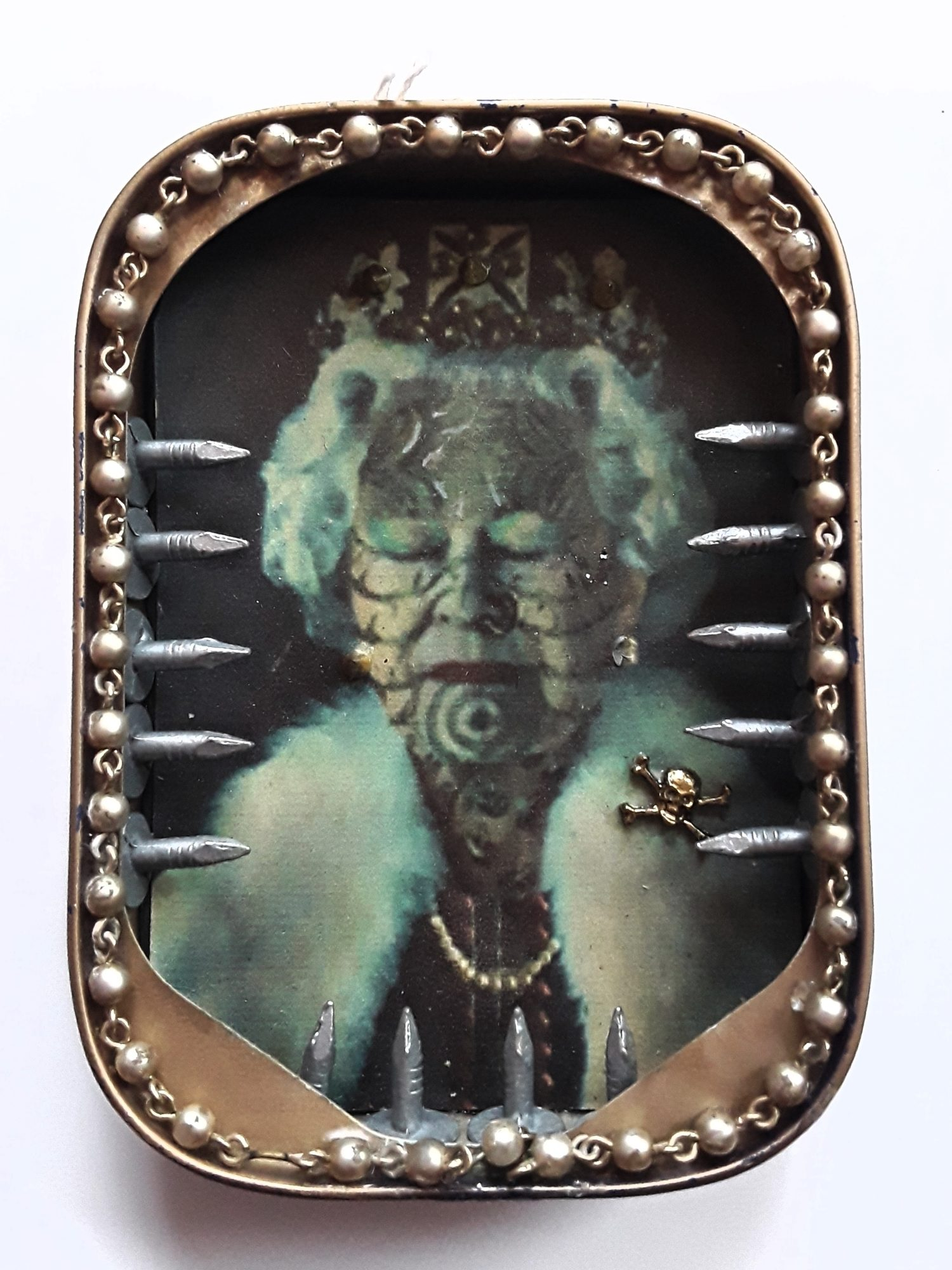 Tattooed Queenie Icon Tin