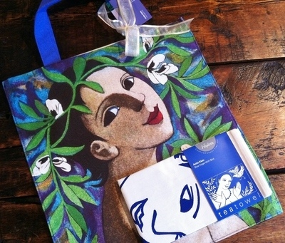 I Fiore delle Fave Canvas Bag and Blue Angel Tea Towel Set