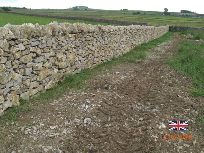 New dry stone walling in the High Peak 2009 pic2