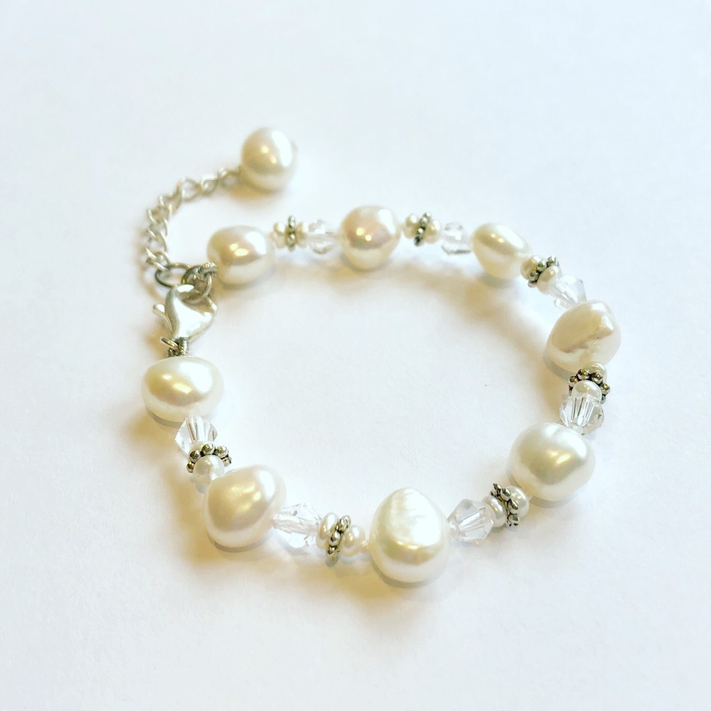 CHILDREN'S: White Pearl Bracelet