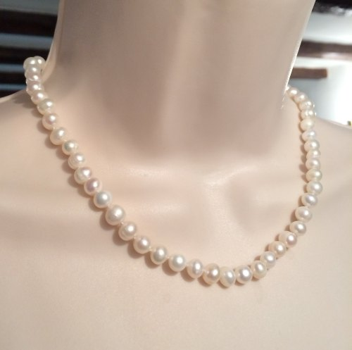 ''White Pearl Necklace