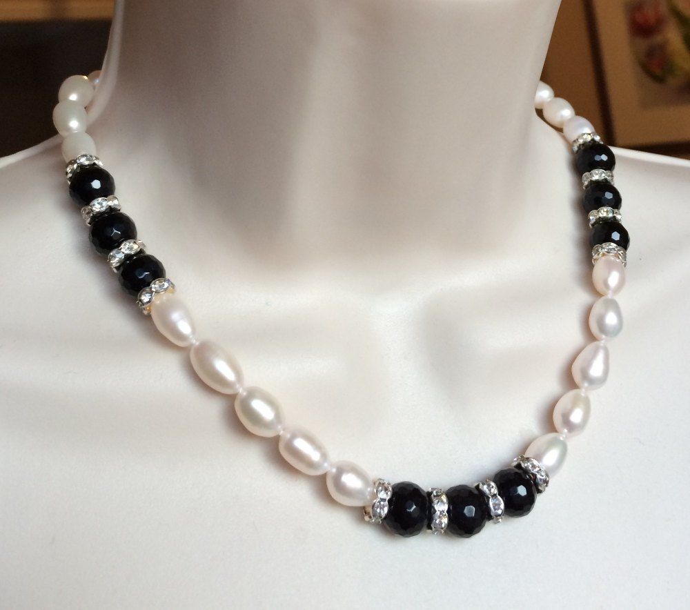 ''Black & White Necklace