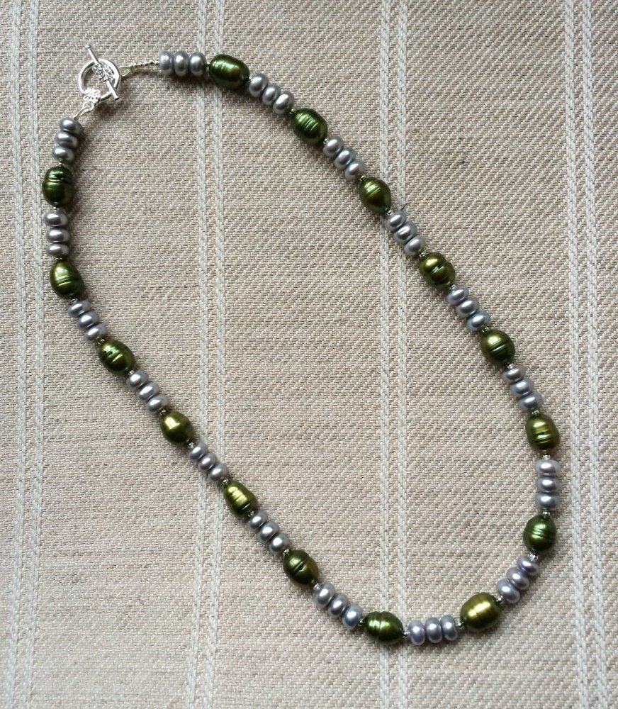 ''Green & Silver Necklace