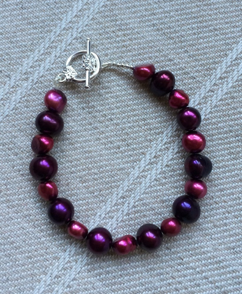 ''Red Pearl Bracelet