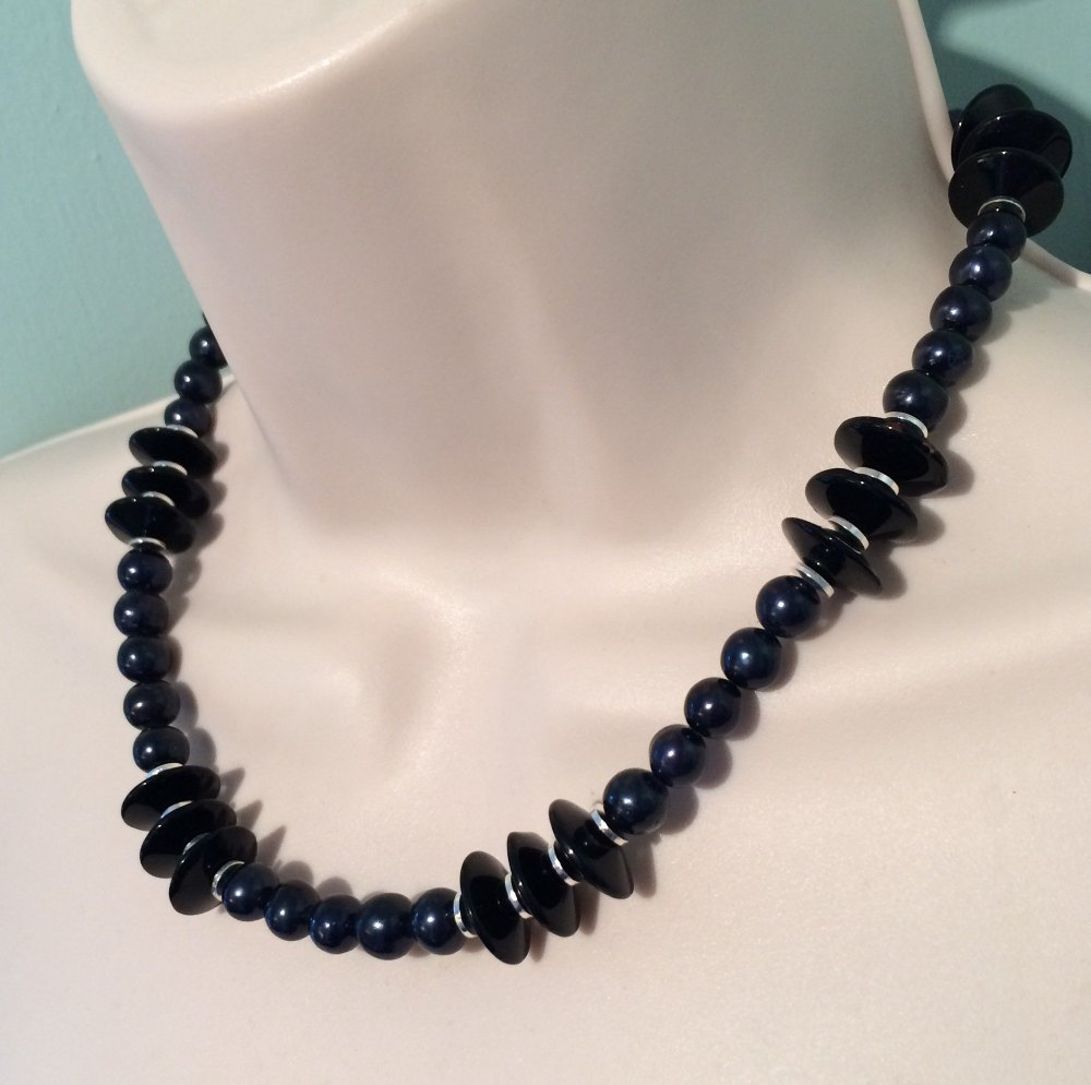 ''Black Pearl & Crystal Necklace