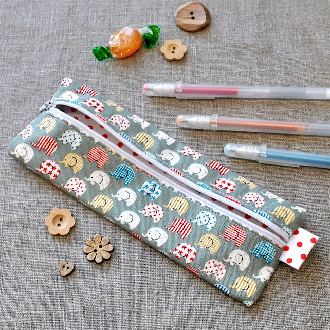 Small Pencil Case in Green Elehpants