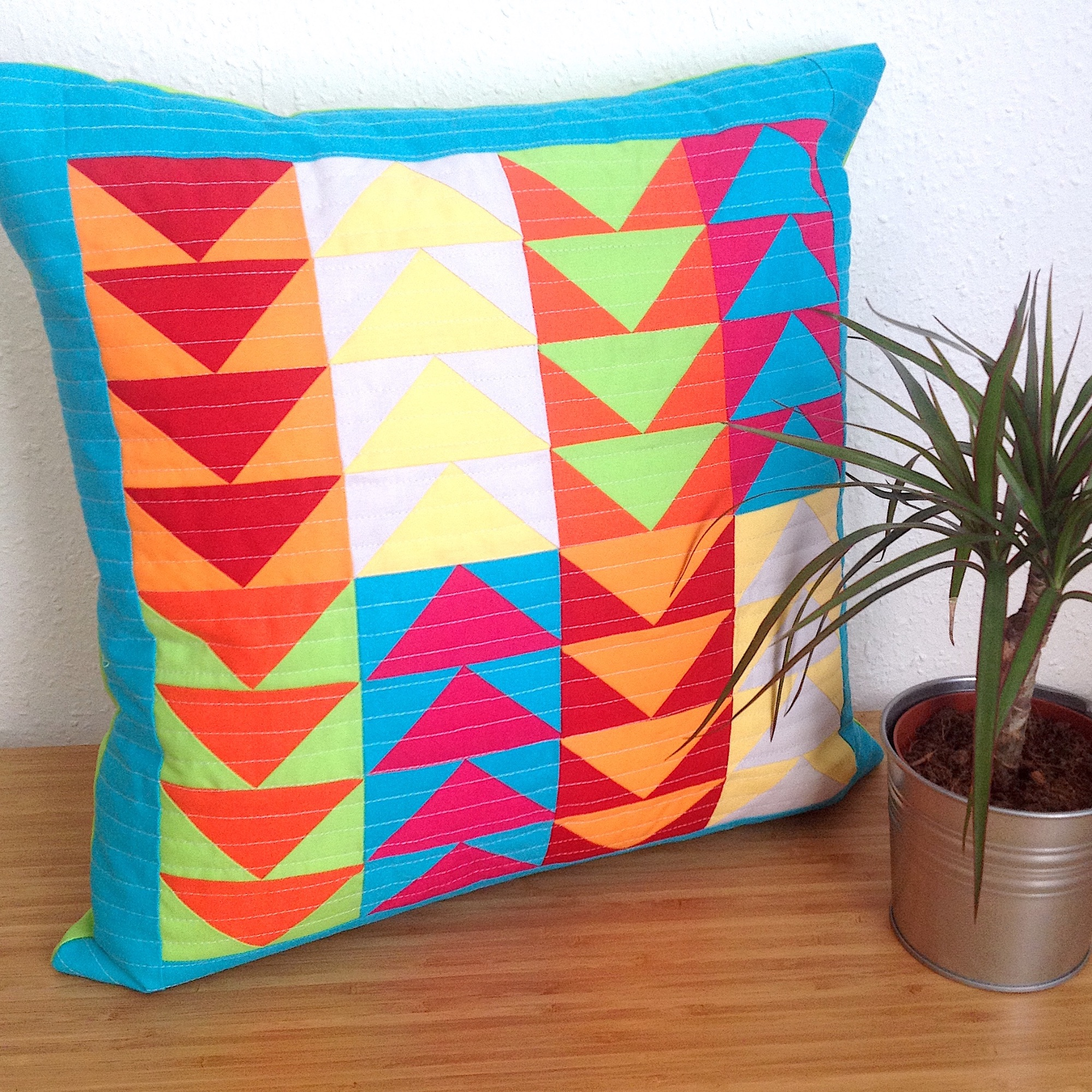 Flying Geese Cushion - free pattern