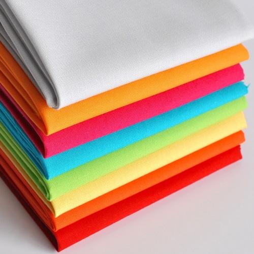 Spectrum Solids Fat Quarter Bundle from Makower - 8 pieces
