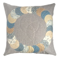 <!-- 002 -->Overlapping Circles Cushion Kit in Blue Sky - English Paper-Piecing Kit