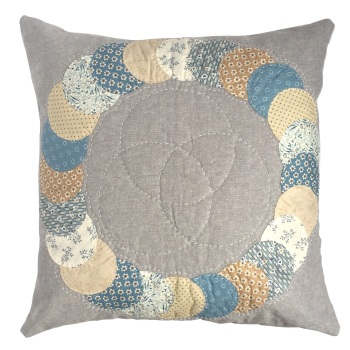 Overlapping Circles Cushion Kit in Blue Sky - English Paper-Piecing Kit