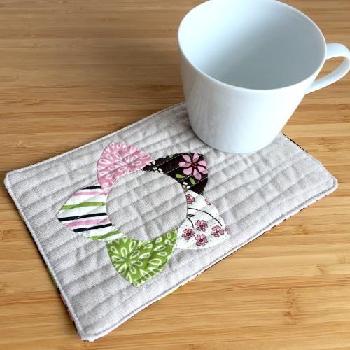 EPP Mug Rug Kit in Wildflower Pink - English Paper-piecing Kit
