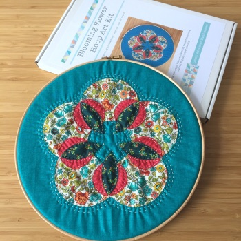 "Blooming Flower 12"" Hoop Art Kit in Turquoise and Pink - Curved English Paper-piecing Kit"