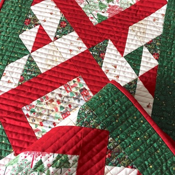 Traditional Christmas Table Runner
