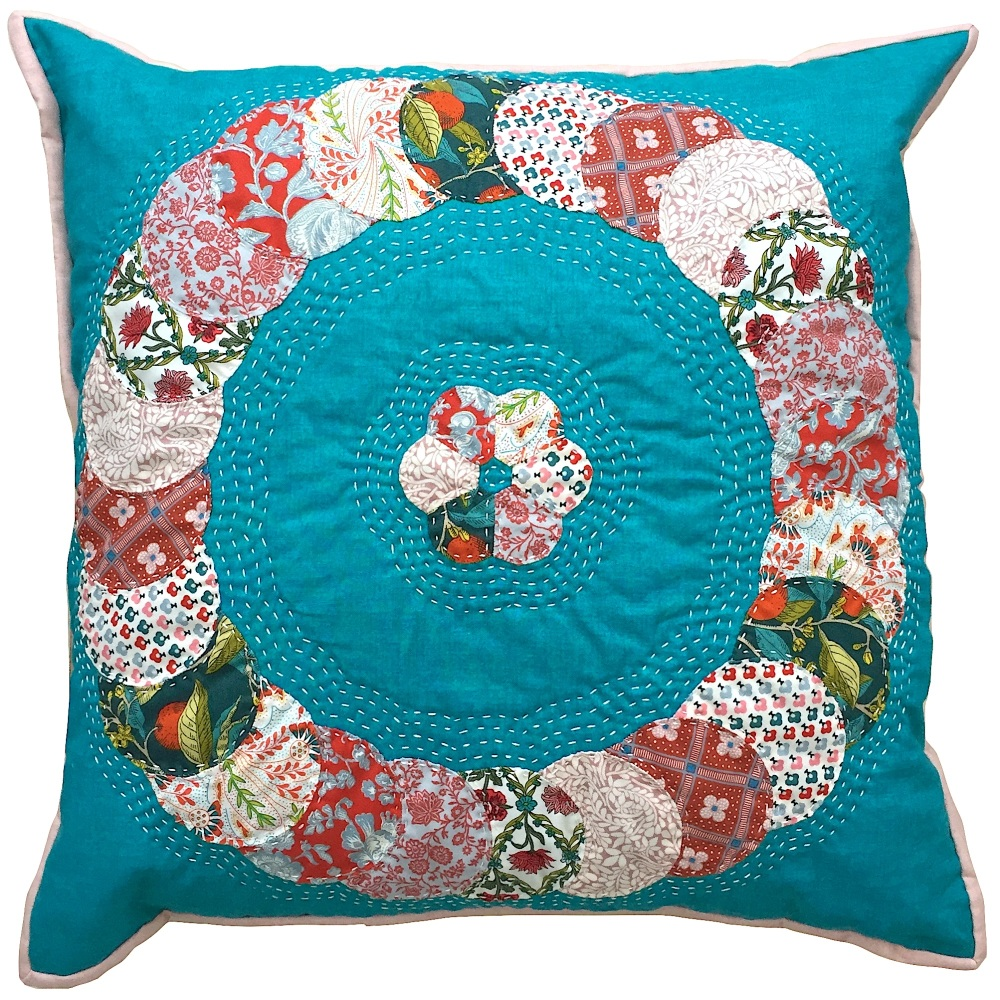 <!-- 001 -->Overlapping Circles Cushion Liberty Pinks - English Paper-Pieci