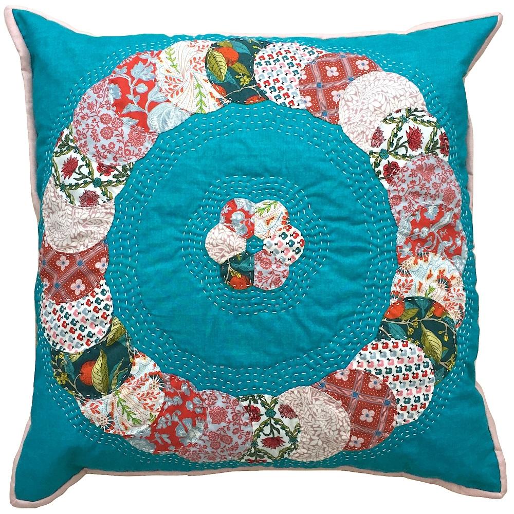 <!-- 001 -->Overlapping Circles Cushion Liberty Pinks - English Paper-Pieci