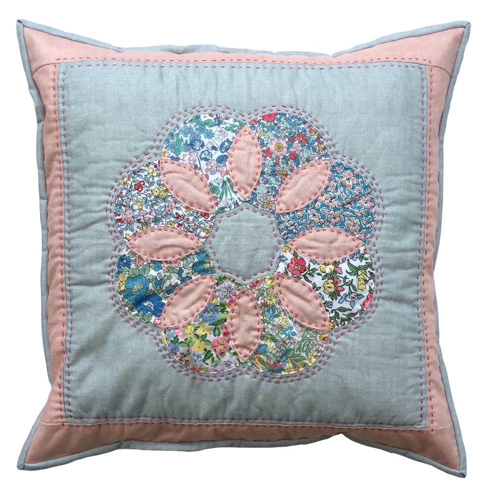 <!-- 001 -->Applecore Cushion Kit in Liberty Flower Show - Curved English P