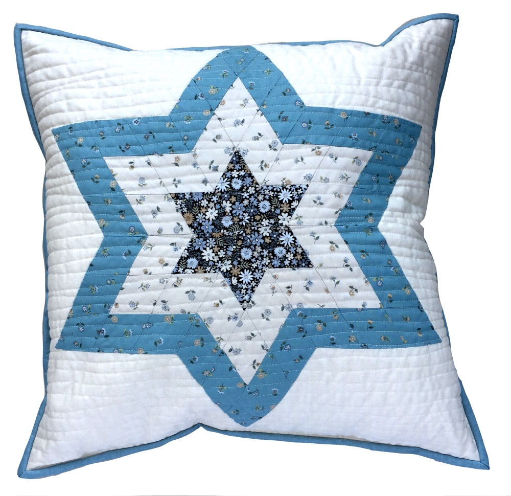 <!-- 001 -->Diamond Star Cushion Kit in Blue Bloom - English Paper-Piecing