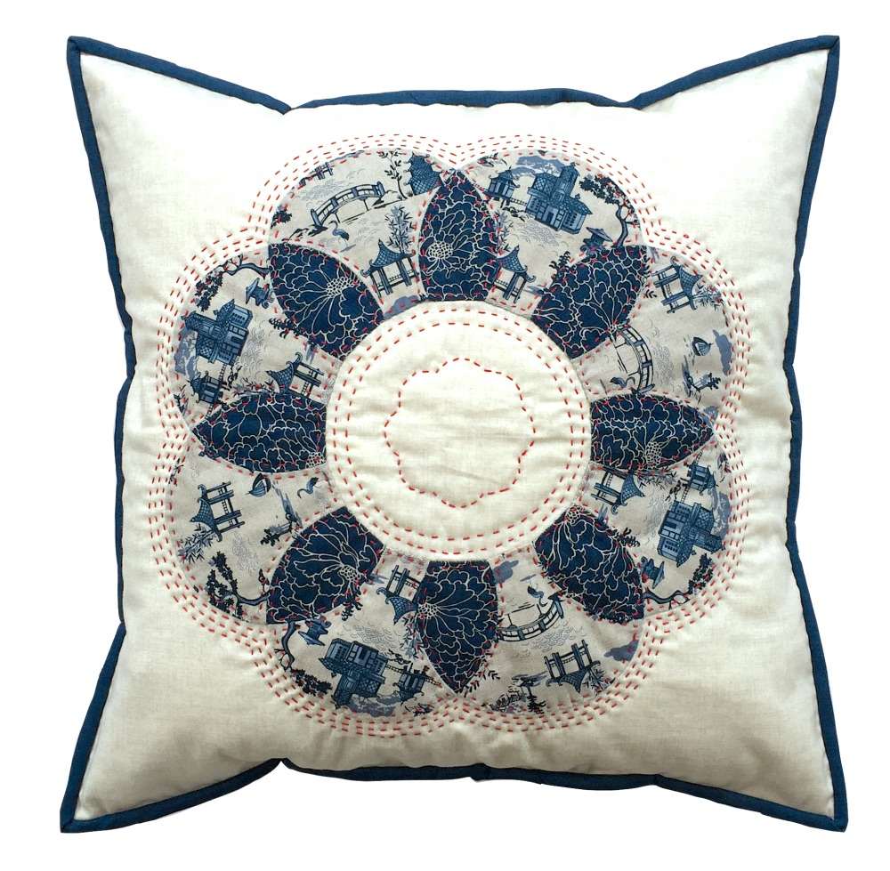 <!-- 003 -->Curved EPP Flower Cushion Kit in Japanese Blue - English Paper-