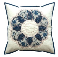 <!-- 002 -->Curved EPP Flower Cushion Kit in Japanese Blue - English Paper-piecing Cushion Kit