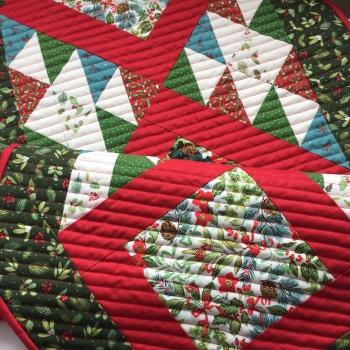 Christmas Table Runner Kit in Yuletide