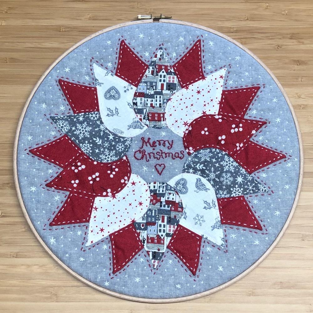 <!-- 001 -->Christmas Wreath Hoop Art Kit - Curved English Paper-piecing Ki