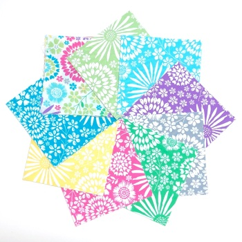 Quilter's Pre-cut 42pc Charm Pack in Flora Pop