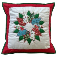 <!-- 002 -->Wreath Cushion Kit in Christmas Yuletide - Curved English Paper-Piecing Kit, (EPP)