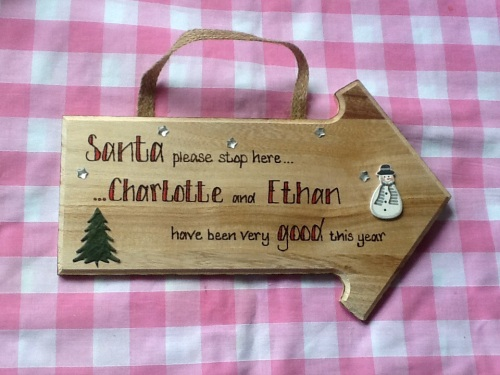 Santa please stop here personalised wooden sign