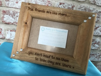 Personalised photo frame with engraved quote for friends