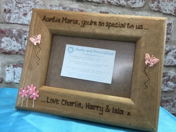 Personalised wooden photo frame for a special Auntie