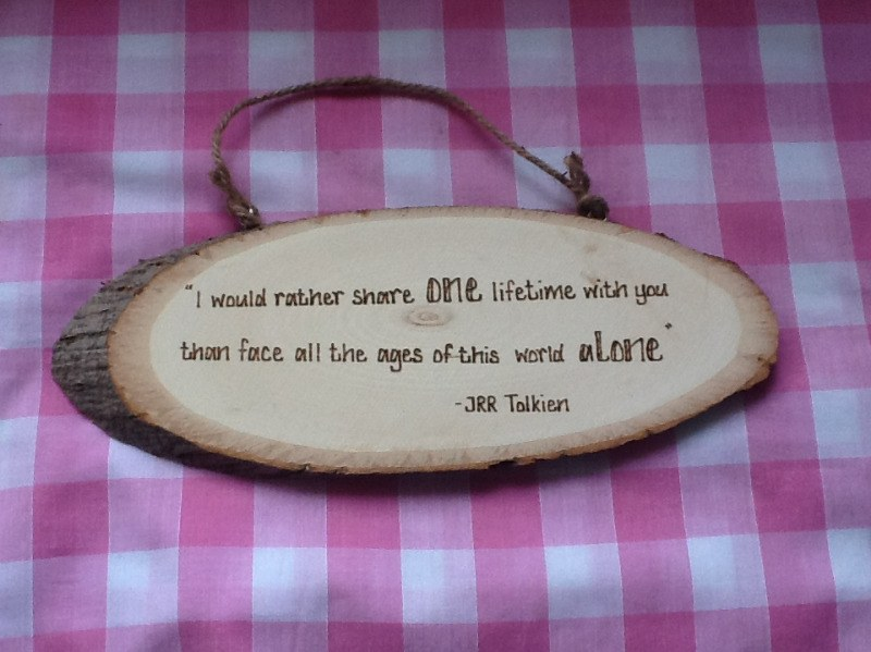 Design your own personalised wooden plaque sign