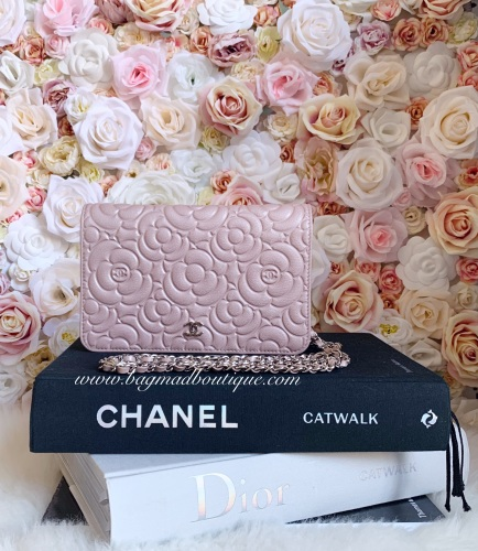 Chanel 19B LGHW Pearly Pink Camelia Embossed WOC
