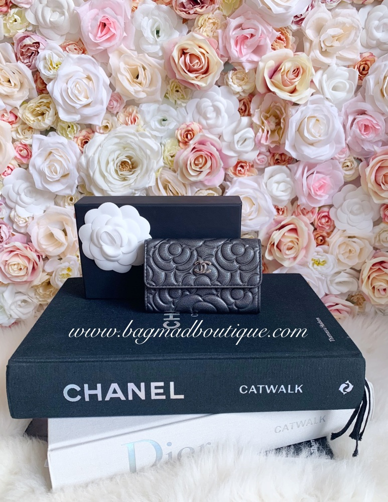 Chanel SHW Iridescent Charcoal Grey Camelia Flap Card Holder