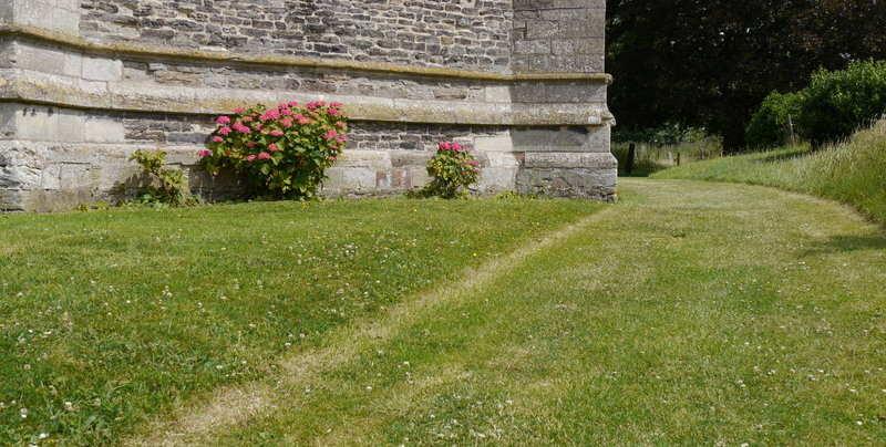 Churchyard2