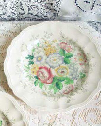 Vintage Royal Doulton 1940's Dinner Plate - Malvern Pattern