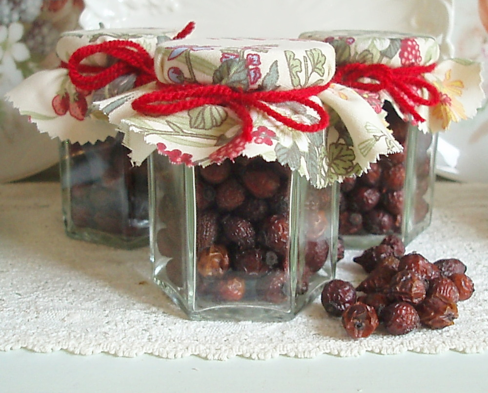 Jar of Dried Natural Rose Hips 8oz