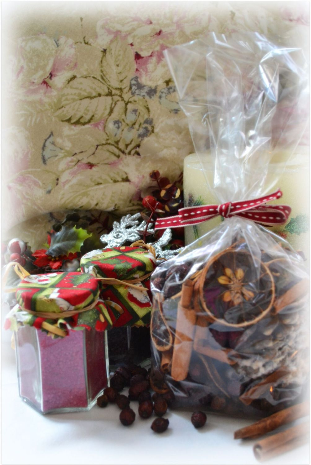 The Cottage Heart Winter Spice Pot Pourri - Natural Ingredients