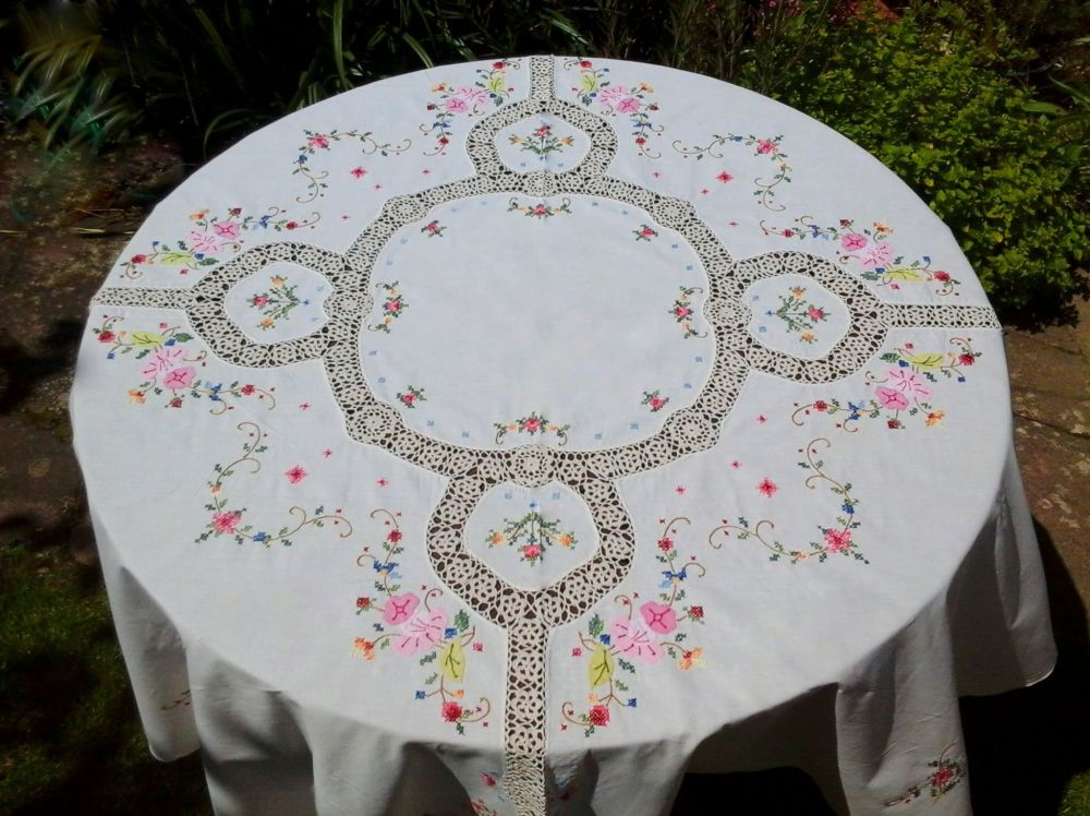 Stunning Vintage Hand Embroidered Round Tablecloth 1920's 1930's